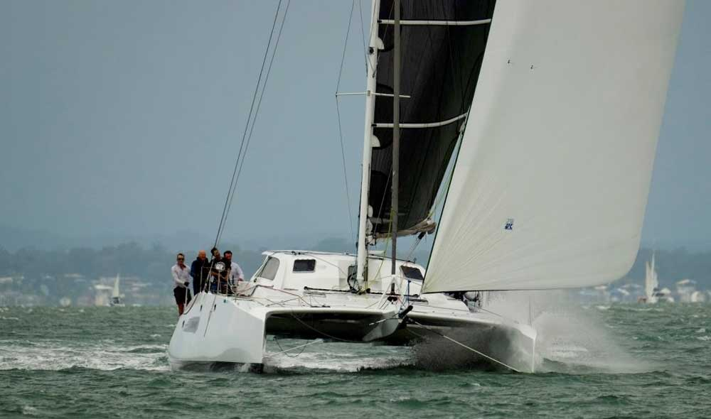 Reducing battery weight in racing catamaran